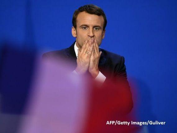 Produs al scolilor de elita franceze, fost bancher, fara partid politic si cu o sotie mai mare cu 24 de ani decat el. Cine este Emmanuel Macron, cel mai tanar presedinte din istoria Frantei