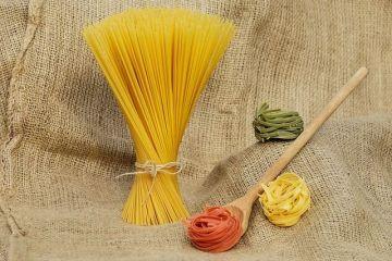 Standard pentru est : Pastele nu sunt ceea ce par a fi. Diferenta dintre spaghetele italiene vandute in Romania si cele care se vand in Italia. Ce spun testele specialistilor