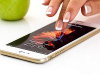 Românii au cumpărat mai puține telefoane inteligente, anul trecut, dar mai scumpe și mai sofisticate. Samsung își păstrează poziția de lider