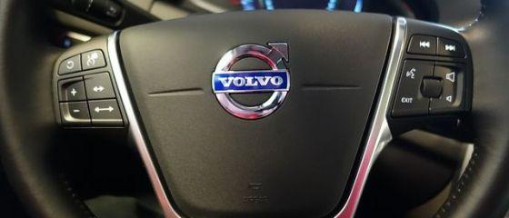 Volvo anunta ca va renunta la dezvoltarea unor noi motoare diesel, din cauza costurilor mari pentru reducerea poluarii. Suedezii se concentreaza pe masini electrice