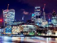 Germania vrea sa relaxeze legislatia muncii pentru a atrage banci din Londra, dupa Brexit. Frankfurtul face concurenta Parisului si Dublinului