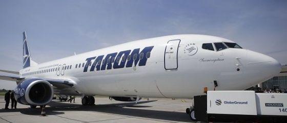 Sarmizegetusa , prima aeronava Boeing 737-800 NG din flota Tarom a aterizat, miercuri, la Bucuresti. A doua vine saptamana viitoare. FOTO