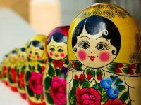Miliardarii rusi renunta la dreptul de rezidenta in Rusia, pentru a-si pastra afacerile offshore. Cei mai bogati 200 de oligarhi au o avere echivalenta cu o treime din PIB-ul tarii