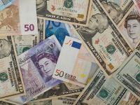 Lira sterlina atinge maximul ultimelor doua saptamani in ziua alegerilor britanice. Euro stagneaza inaintea sedintei BCE