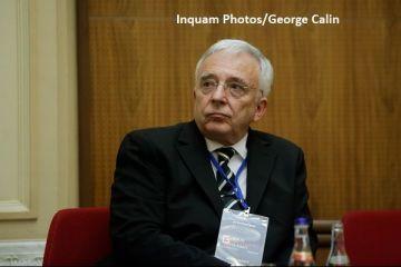 Mugur Isărescu, acuzat că ia şi pensie, şi salariu. Replica şefuluI BNR
