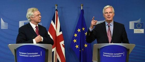 O nouă rundă de negocieri pentru Brexit începe la Bruxelles. Cele două părți se acuză de tergiversare și de discuții  fără substanță