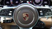 """Porsche nu exclude listarea la bursă a unui """"supergrup de lux"""" dintre brandurile Volkswagen"""