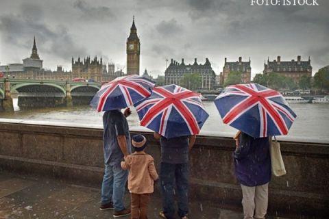 Brexitul ar putea afecta semnificativ România. Raport ING: Sumele trimise de imigranți în țările de origine vor scădea considerabil