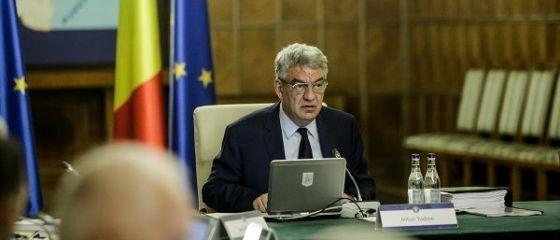 Guvernul are trei variante de lucru în privinţa Pilonului II de pensii private. Tudose: Una dintre ele este ca românii care contribuie să poată opta