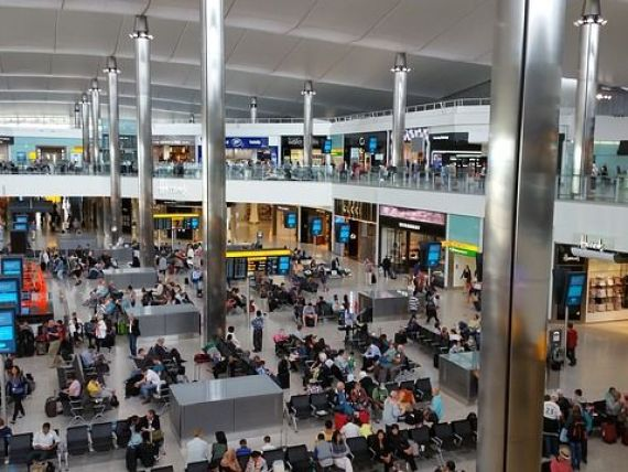Încă patru posturi de control al documentelor pe aeroportul Henri Coandă