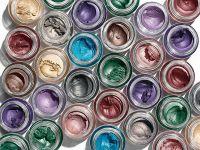 Topul producătorilor de cosmetice. Avon rămâne liderul pieţei, urmat de L rsquo;Oreal și compania care deține Nivea. Locul 4, ocupat de o firmă 100% românească