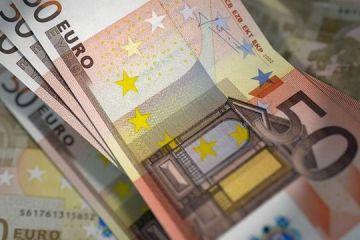 Bloomberg: Criza datoriilor suverane nu a răpus euro, care se apreciază semnificativ. Moneda unică, tot mai atractivă pentru investitorii care caută plasamente sigure