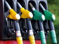 Prima zi după reintroducerea supraacizei la carburanţi: preţurile la pompă cresc cu 0,16 lei pe litru. Urmează o nouă majorare de la 1 octombrie