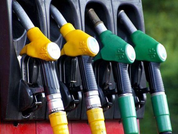 Preţul fără taxe al carburanţilor din România, peste media UE în 2017. Concurența face cele mai multe analize pe piața combustibililor