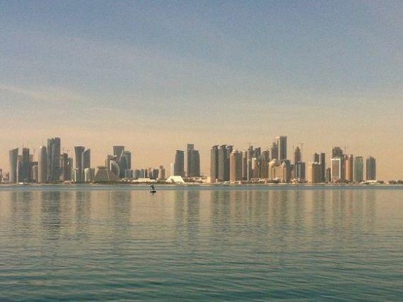Qatarul scutește de viză 80 de țări, între care și România, pentru a stimula turismul, în plină blocadă economică din partea vecinilor