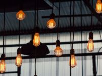 ANRE şi Consiliul Concurenţei analizează evoluţia pieţei de energie. Prețul la electricitate a crescut cu 6,7%, într-o singură lună