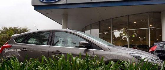 Planul Ford pentru a ține pasul cu concurența. Se concentrează pe SUV-uri și camioane și intră pe zona de transport medical și de mărfuri