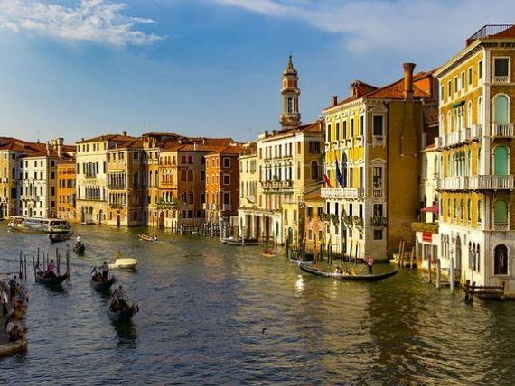 Orașele europene care nu mai vor turiști. Ce măsuri au luat pentru a-i descuraja pe străini să vină în vacanță