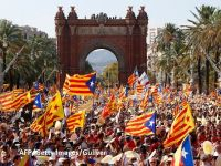 """Catalonia își recapătă """"independența"""". Madridul dă undă verde noului executiv catalan și ridică tutela impusă după referendumul ilegal pentru autodeterminare"""