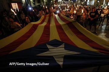 Separatiştii catalani au luat cu asalt străzile Barcelonei, înaintea referendumului pentru secesiune, interzis de guvernul de la Madrid:  În 48 de ore, Catalonia va fi independentă