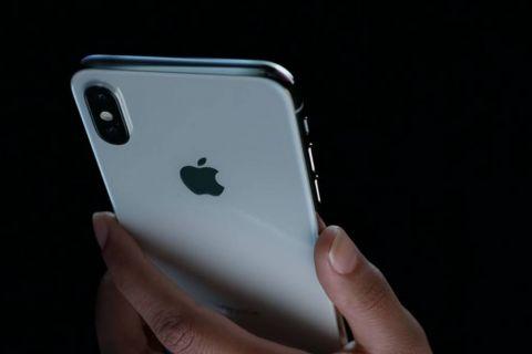 Apple a prezentat trei modele noi de iPhone, la 10 ani de la lansarea primului smartphone. Vedeta este iPhone X