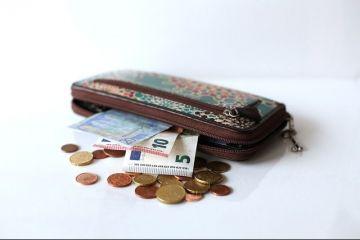 Ministerul Muncii a finalizat legea pensiilor și face simulări cu trei formule pentru recalcularea pensiilor. Premierul asigură că pensiile nu vor scădea