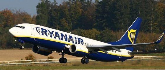 Ryanair anulează până la 50 de zboruri pe zi în următoarele săptămâni, pentru a limita întârzierile, dar afectează sute de mii de pasageri
