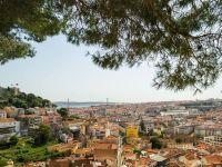 """La un pas de faliment în urmă cu câțiva ani, Portugalia îşi racapătă nota """"recomandată investiţiilor"""" de la S&P"""