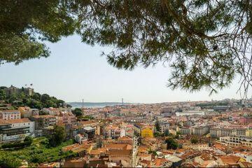 La un pas de faliment în urmă cu câțiva ani, Portugalia îşi racapătă nota  recomandată investiţiilor  de la S P