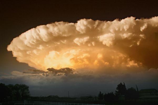 Administraţia Naţională de Meteorologie a emis o informare de ploi torenţiale, valabilă până joi la ora 23.00, în aproape toată ţara. Foto: www.pixabay.com