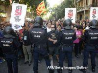 """Luptă crâncenă pentru Catalonia. Rajoy îndeamnă separatiștii """"să renunţe la radicalism şi nesupunere"""". Catalanii își apără referendumul în stradă"""
