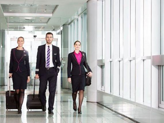Wizz Air face angajări pentru cele 21 de aeronave noi pe care le achiziționează. Operatorul low-cost recrutează 1.300 de persoane, inclusiv în România