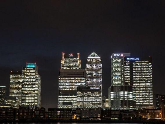 Bancherii din UE câștigă peste 1 mil. euro pe an. Trei sferturi lucrează în The City
