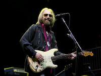 Muzicianul Tom Petty a încetat din viaţă la vârsta de 66 de ani, în urma unui infarct