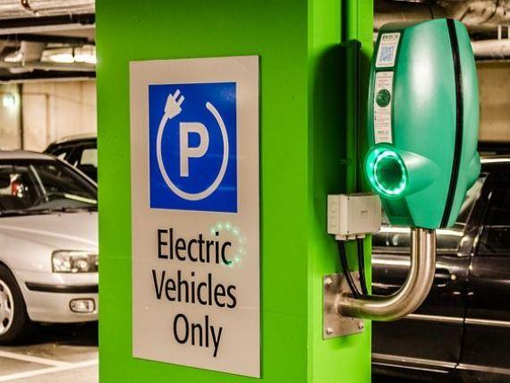 Românii, cei mai optimiști europeni în ceea ce privește viitorul mașinilor electrice. Aproape 70% spun că își vor cumpăra una în următorii 10 ani