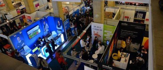 Multinaționalele scot la concurs 5.000 de joburi, vineri și sâmbătă, la Angajatori de Top. Pentru ce poziții salariile depășesc 1.500 euro