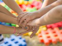 Legea privind înfiinţarea Avocatului Copilului a fost aprobată de Parlament