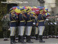 Corpul neînsufleţit al Regelui Mihai a fost adus în România și a fost depus la Castelul Peleș