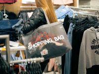Românii au lăsat mai mulți bani în magazine, în 2017. Ponderea promoțiilor scade, iar produsele marcă proprie rămân între cele mai căutate