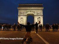 """Franța vrea să limiteze imigrația. Liberation: """"Patria drepturilor omului nu se mai gândeşte decât să-şi închidă frontierele şi să expulzeze în masă"""""""