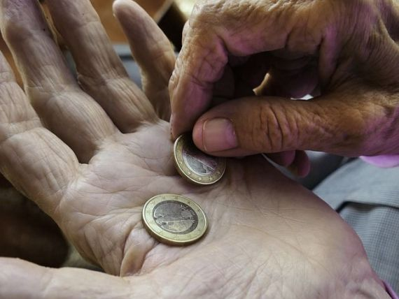 România alocă aproape 15% din PIB protecției sociale. Cheltuielile au crescut cu 7,6%