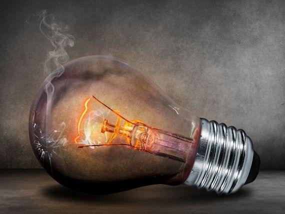 Preţul energiei electrice pe bursă a crescut de peste două ori, în ultimele două săptămâni