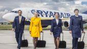 Ryanair recrutează însoțitori de zbor în mai multe orașe din România. Ce salarii și beneficii oferă