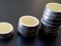 Cursul își reia creșterea și ajunge aproape de 4,66 lei/euro