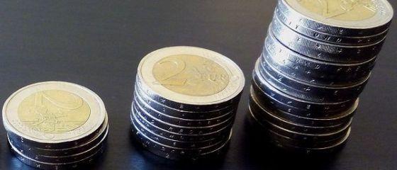 A treia zi consecutivă în care leul atinge un minim istoric în raport cu moneda europeană. Cursul BNR se apropie de 4,67 lei/euro
