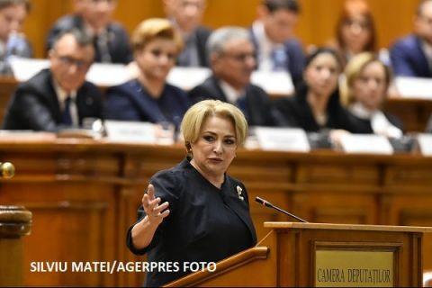 Dăncilă vrea să facă tot ce n-au apucat Grindeanu și Tudose: sute de km de autostradă, salarii la nivelul UE, o nouă lege a pensiilor. Teodorovici nu exclude revenirea la impozitarea progresivă