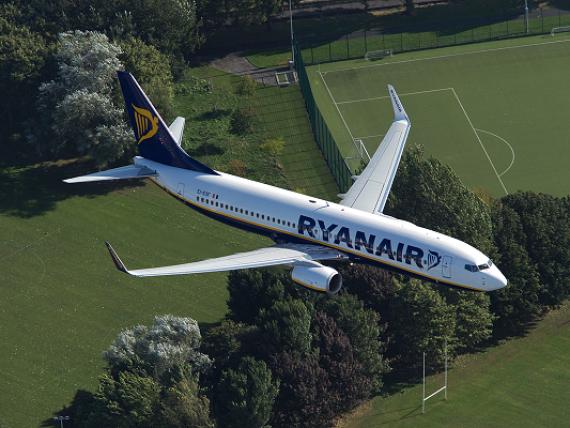 Ryanair vrea să preia compania aeriană înființată de campionul de Formula 1 Niki Lauda. Low-costul se extinde astfel în Austria și Germania