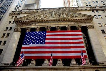 De ce s-a prăbușit, luni, Wall Street-ul și cât de iminentă este o criză economică mondială. Analiști:  Nu este cazul să intrăm în panică. Este greu de imaginat un scenariu ca cel din 2008
