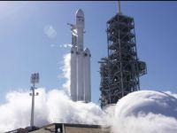 SpaceX scrie istorie: a lansat cu succes cea mai mare și mai puternică rachetă în spațiu. Capsula are la bord și o mașină Tesla