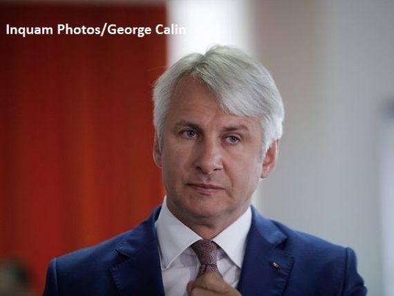 Teodorovici îi amenință pe miniștri cu amendă de 100.000 lei, dacă nu se încadrează în bugete:  Se fac angajări peste banii alocați, se dau sporuri de antenă sau de praf